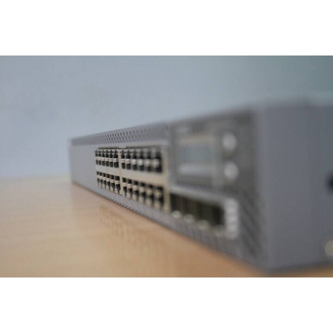 Switch Juniper QFX5100-96S-AFO
