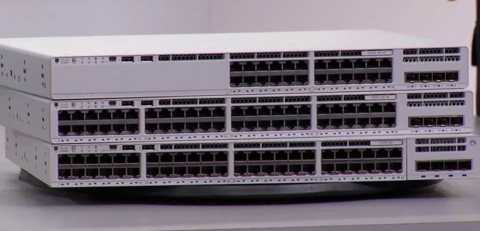 Switch C9200L-24T-4G-A Cisco Catalyst 9200L 24-port Data 4x1G uplink Switch, Network Advantage